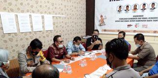 rapat persiapan debat publik